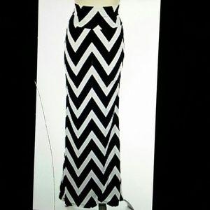 Dresses & Skirts - Black and white chevron skirt