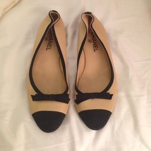 CHANEL Shoes - Beige/black Chanel Ballet Flats