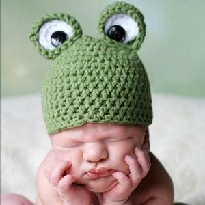 Accessories - Frog hats handmade:)