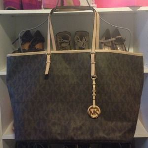 For @itsjenjen07 Michael KORS - Jet Set Bag Tote