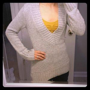 《Bundled》 Light gray deep v neck sweater