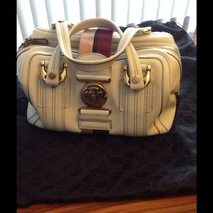 Authentic Gucci off-white all leather handbag