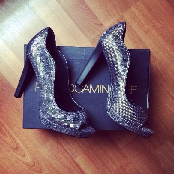 Rebecca Minkoff Shoes - HP🎉 Rebecca Minkoff Ben pumps.