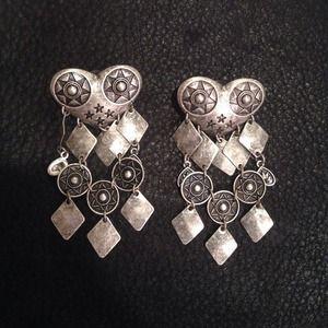 Jewelry - Jewelmint Eros earrings. Like new.
