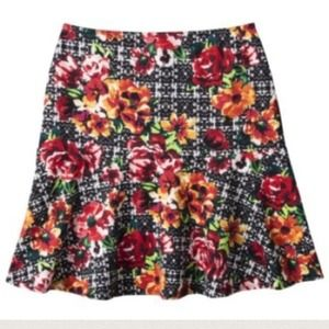 📛HP 🎉🎉Xhiliration Junior skirt. XS, S, M, L