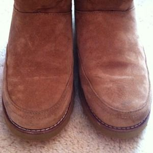 UGG Shoes - Ugg Short Boots, Camel color w Stitching