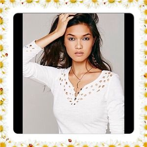 Free People Tops - FREE PEOPLE LUNA WHITE TOP NWT$68 SMALL