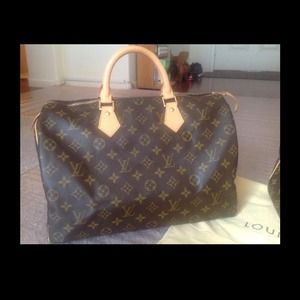 No longer avail % Auth Louis Vuitton Speedy 35