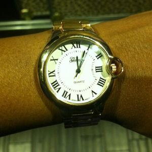 Geneva rose gold tone watch