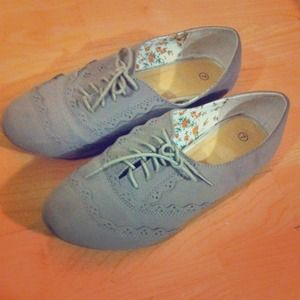 Gray brogues
