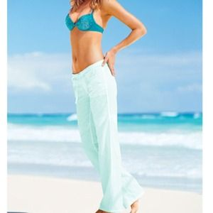 VS Beach linen pants in softly seafoam.