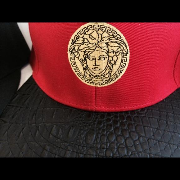 50b227712 Vintage Versace medusa hat snapack gold leather LV