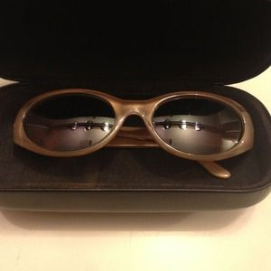 Genuine vintage look Fendi cream & Gold  sunnies