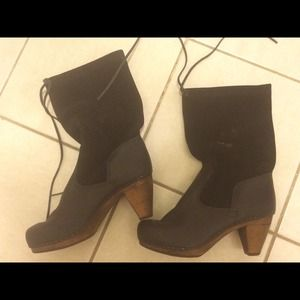 Shoes - Leather and suede clog boots