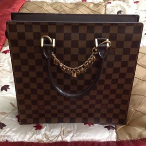 LV purse authentic with Mono Chaine
