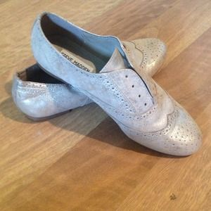 Steve Madden Metallic Oxfords!