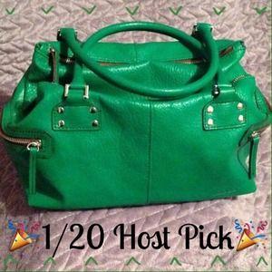 Matt & Nat Handbags - 🎉1/20 HOST PICK🎉 Green Matt & Nat vegan bag