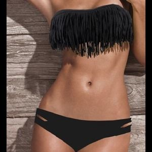 Dresses & Skirts - NEW Adorable Black Fringe Bikini❤️
