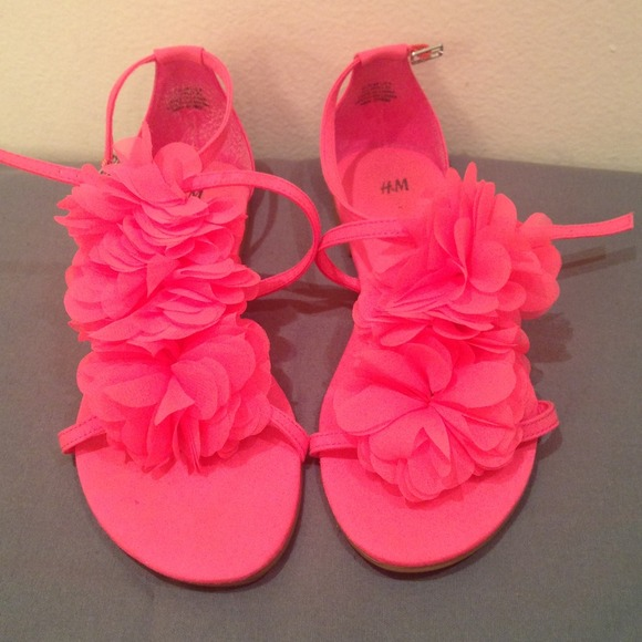 Hm shoes hm bright pink sandals with flower petal details poshmark hm bright pink sandals with flower petal details mightylinksfo