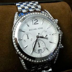 Michael kors watch brand new!!