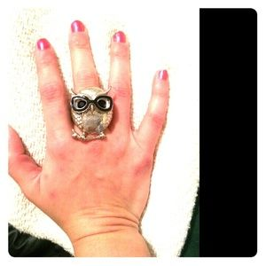 Silver Owl Ring with Black Glasses