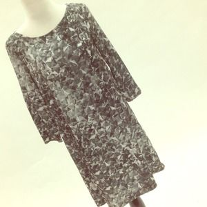 Mango Dresses & Skirts - cool 3D print shift dress