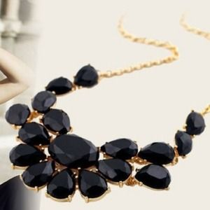 Jewelry - Black statement necklace. NWOT