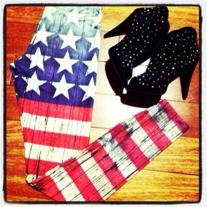 Pants - 🎀America flag print leggings🎀