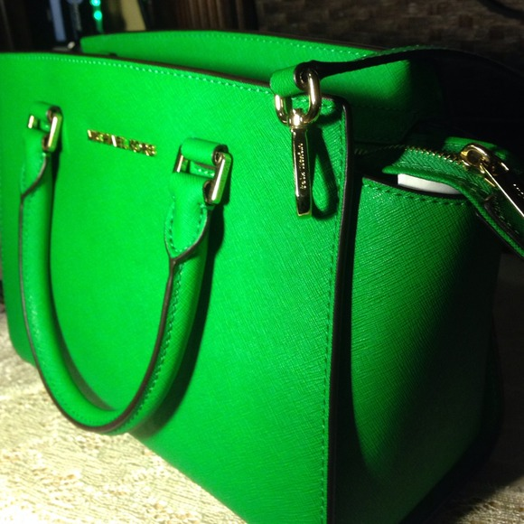 6ce0874797f4 Buy michael kors green bag   OFF76% Discounted
