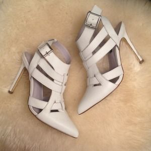 Shoemint white cutout pumps size 6.5
