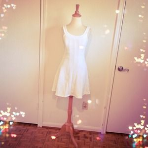 Chic White Stretch Jersey Dress