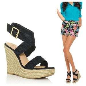 ☀️ Black Crisscross Espadrilles (Wedges) 7