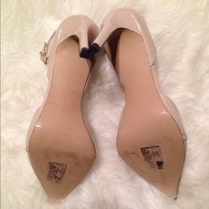 211cf2ada23 Zara Shoes - 💕HOST PICK💕Zara Pointed Vamp Low Cut TBar Heels