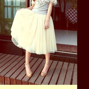 Dresses & Skirts - Fun toule skirt