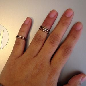 Stackable knuckle/midi rings