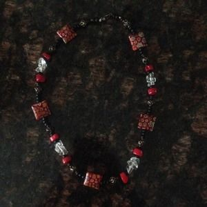 Accessories - Beaded necklace
