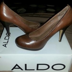 ddf1c1f1b ALDO Shoes | Brown Closed Toe Heels | Poshmark