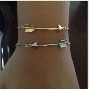 Jewelry - ⚡️flash sale⚡️Arrow bracelet