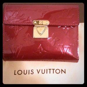 Sharing Auth Louis Vuitton Vernis Koala Wallet