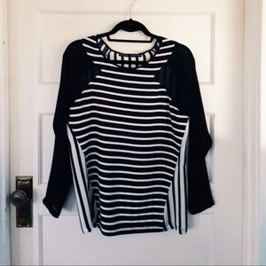 Zara Tops - Fun black & white striped top.