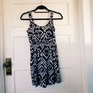H&M Dresses & Skirts - Tribal pattern dress.