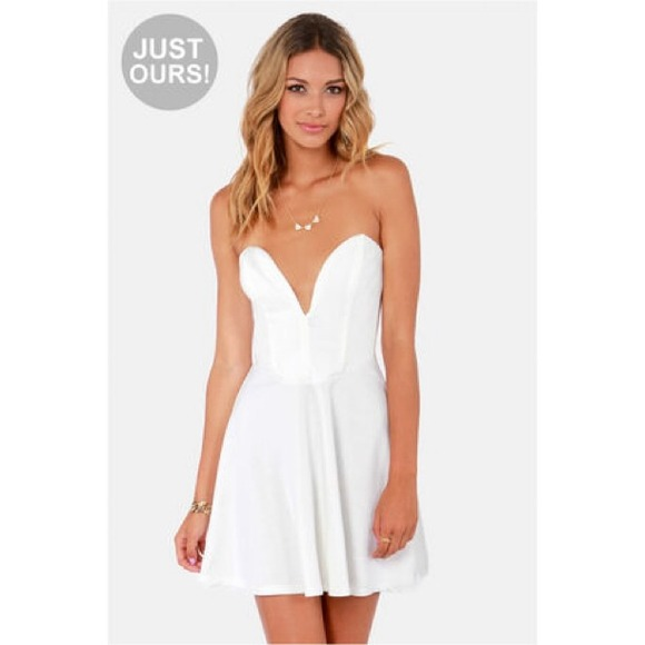 White Sweetheart Strapless Skater Dress
