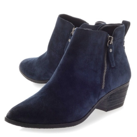 34% off Vince Camuto Shoes - Vince Camuto Tricera Double Zipper ...