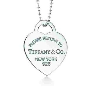 T&CO Return to Tiffany heart tag charm