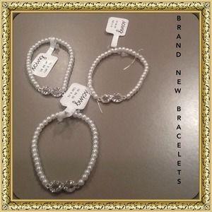 Jewelry - BRAND NEW PEARL BRACELETS!$5.00 each