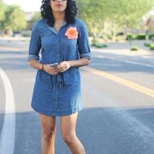Old Navy Dresses & Skirts - Old Navy Chambray Dress