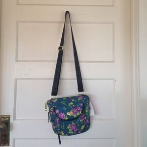 Betsey Johnson Handbags - Betsey Johnson cross body. NWT