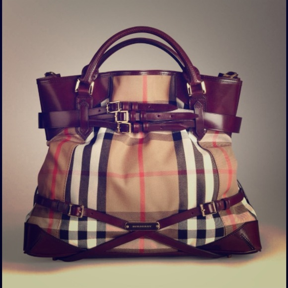 b9a09ee93336 Burberry Handbags - Burberry Bridle House Check Tote Bag