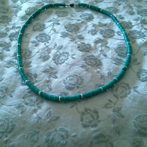 Jewelry - Vintage faux Turquoise & Silver beads necklace