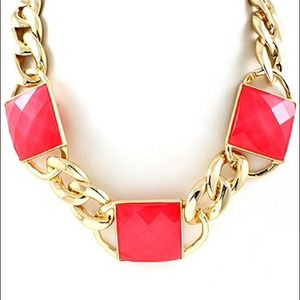 Fuchsia/gold square faceted necklace
